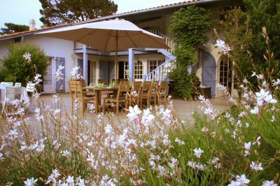 Affiliation(s) : Office Du Tourisme, Les Cogiteurs, Guide Du Routard, Guide  De Charmes, Charmes Et Tradition, Chambres Du0027hôtes De Charme, Booking.com,  ...